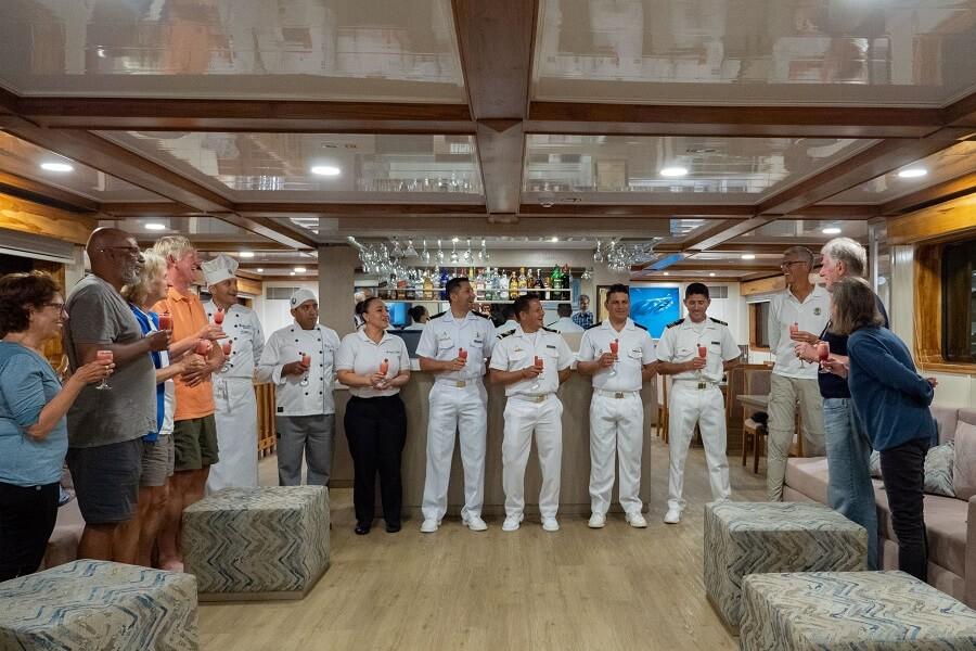 personalized-service-small-cruises-vs-large-cruise-ships-ecuador-and-galapagos-news