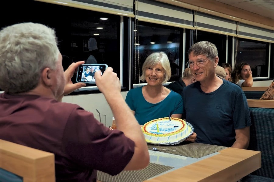 cumpleaños en un crucero en Galápagos